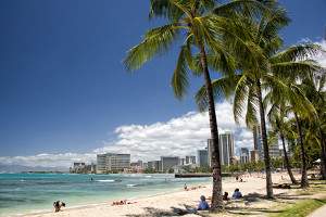 fluege_hawaii_waikiki_beach